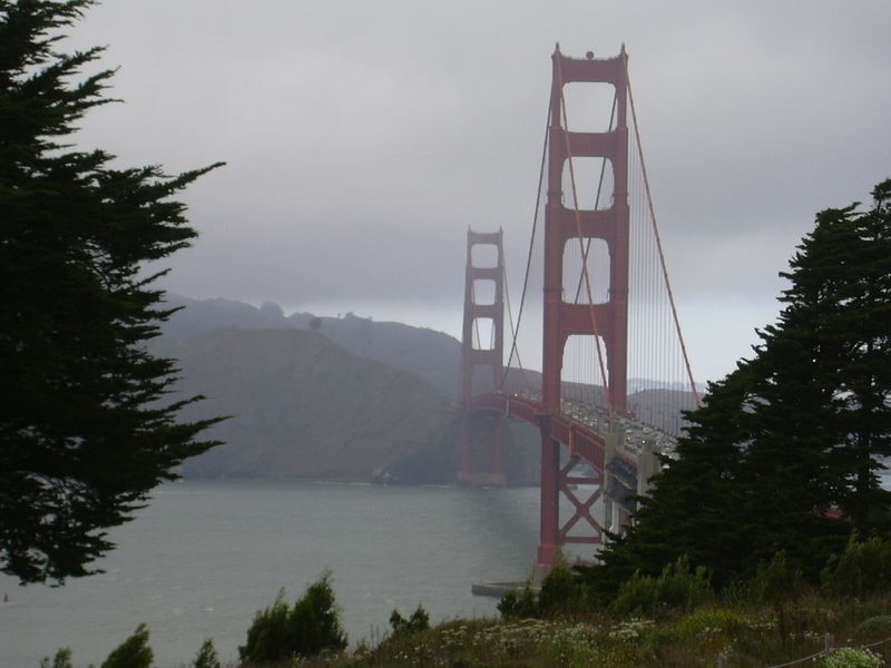 Golden_Gate_Bridge_Fog